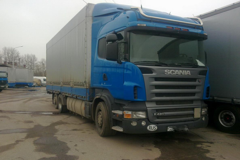 Scania 124L 420 (2006г) 6Х2 60 куб  бортовой тентованный