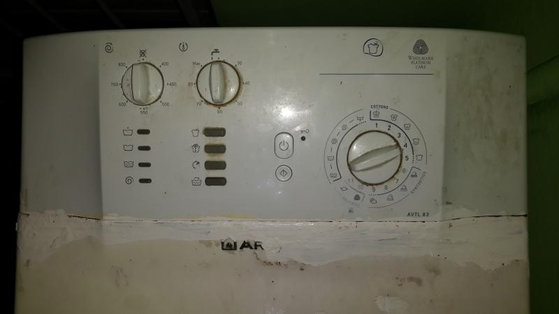 Стиральная машина Hotpoint-Ariston AVTL 83