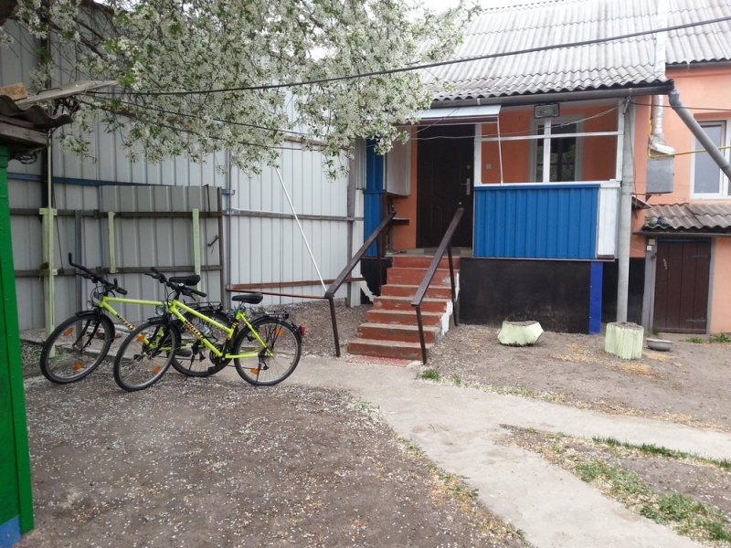 Продам дом под Киевом со всеми удобствами, мебелью и техникой