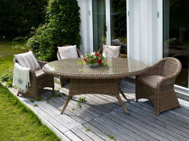 Продам комплекты мебели из искусственного ротанга новые.