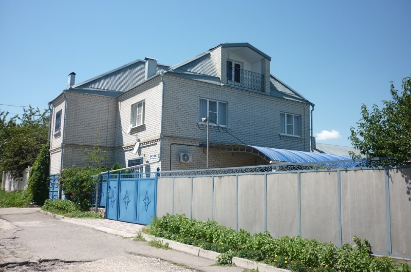 Продам 2-х этаж.дом, пл.200 кв.м., 7 сот, Пятигорск, пос.Новый