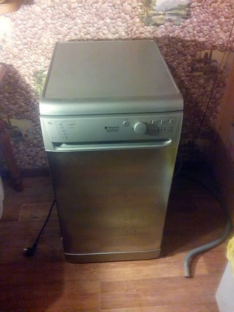 Продам посудомоечную машину Hotpoint-Ariston LSF 723 X