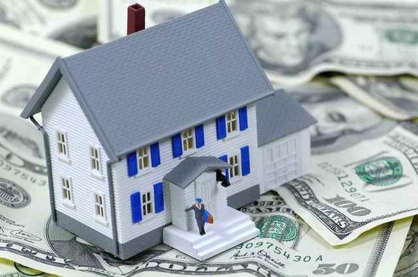 Выдаю свои деньги только под залог недвижимости.