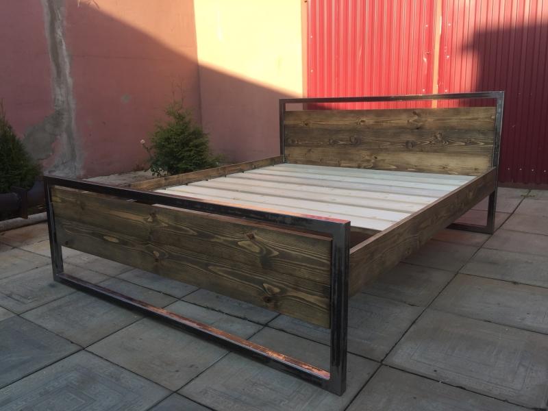 Кровать из дерева и металла, лофт