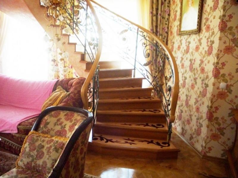 Строительство железобетонных лестниц и каркасных домиков