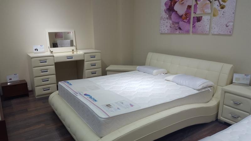 Продам Кровать из эко кожи Nuvola 1