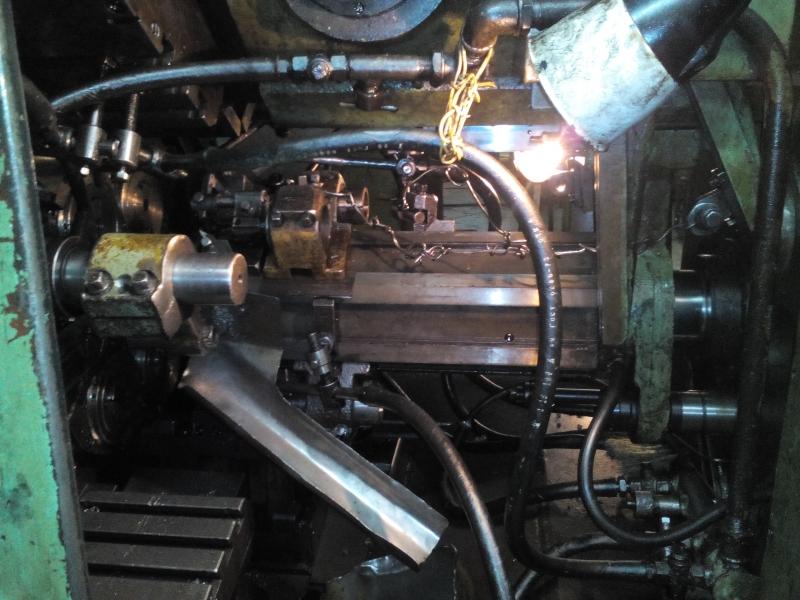 Продаем станки шестишпиндельные три штуки 1Б240-6, 1А240-6, 1В225-6