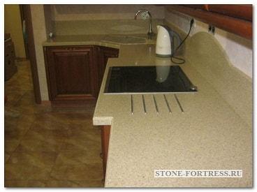Заказать столешницу из искусственного камня для кухни в Москве