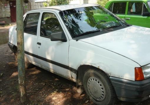 Opel Kadett E, седан 4 дв.