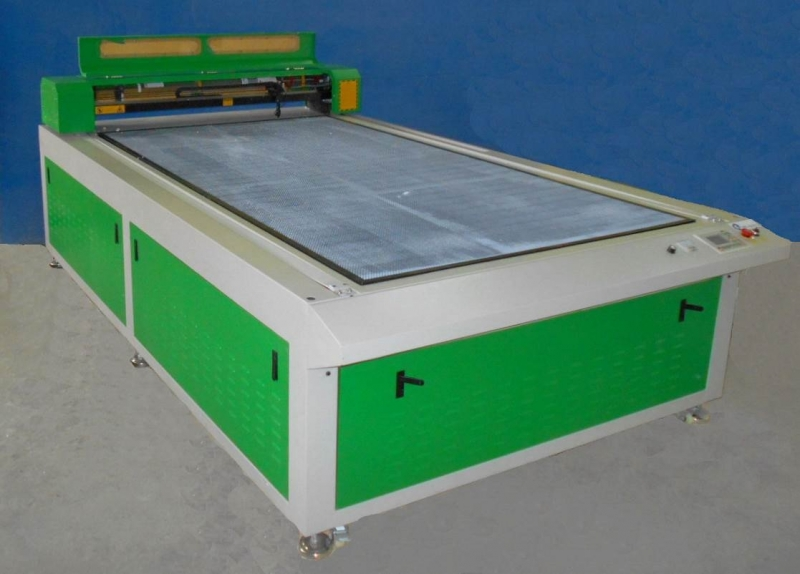 Лазерно-гравировальный станок с ЧПУ  LТТ Z2513H