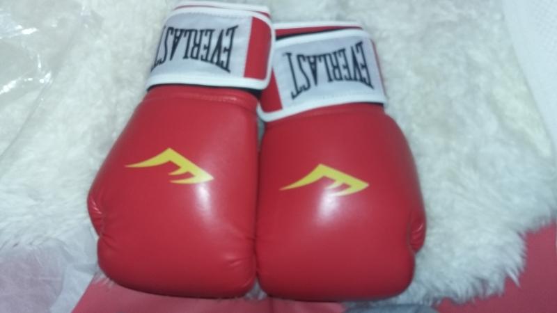 продаю новые боксерские перчатки