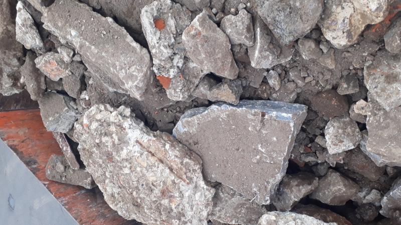 бой бетонный кирпичный грунт в смешанном виде