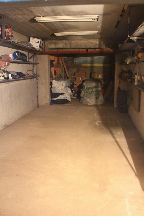 Продам капитальный гараж 9х3 м