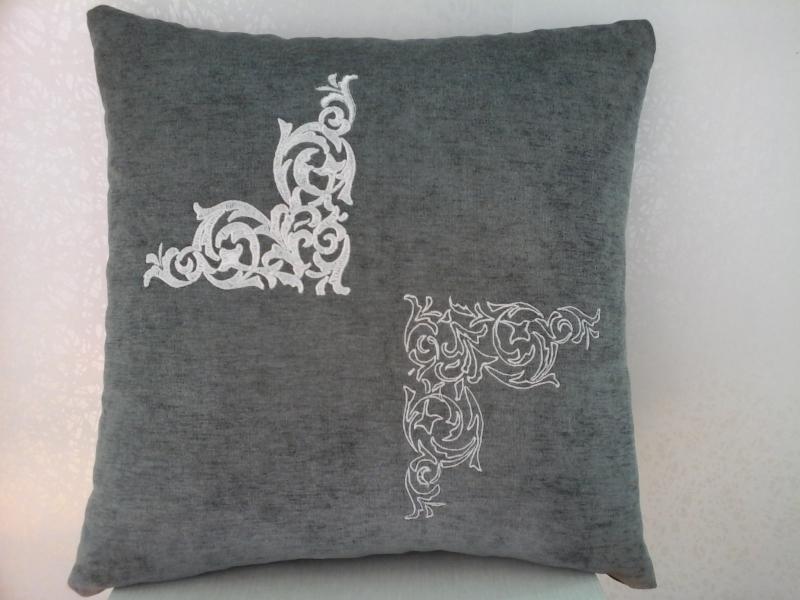 Подушка с вышивкой Узоры2
