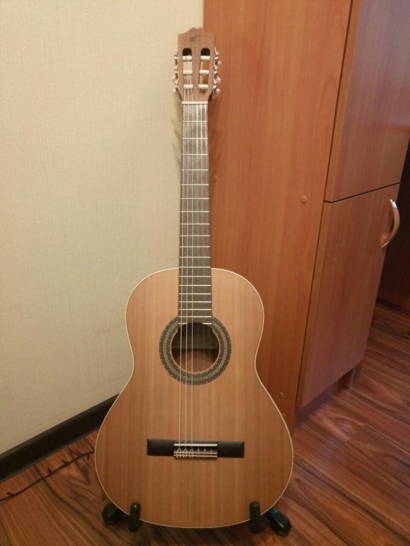 Классическая гитара p. 34 CUENCE CADETE 10 o
