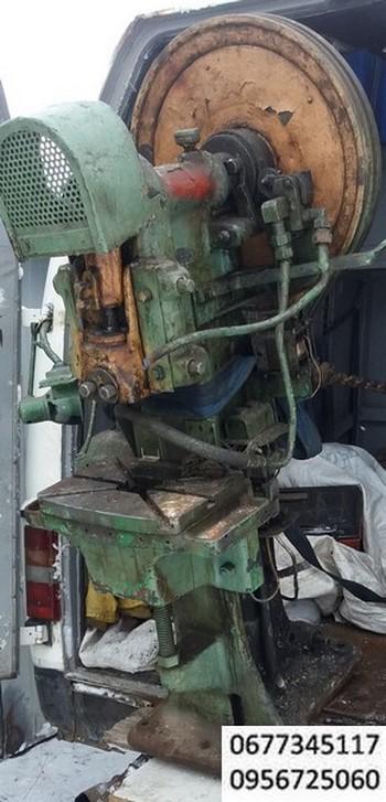 Пресс кривошипный  8 тонн усилием производства германии