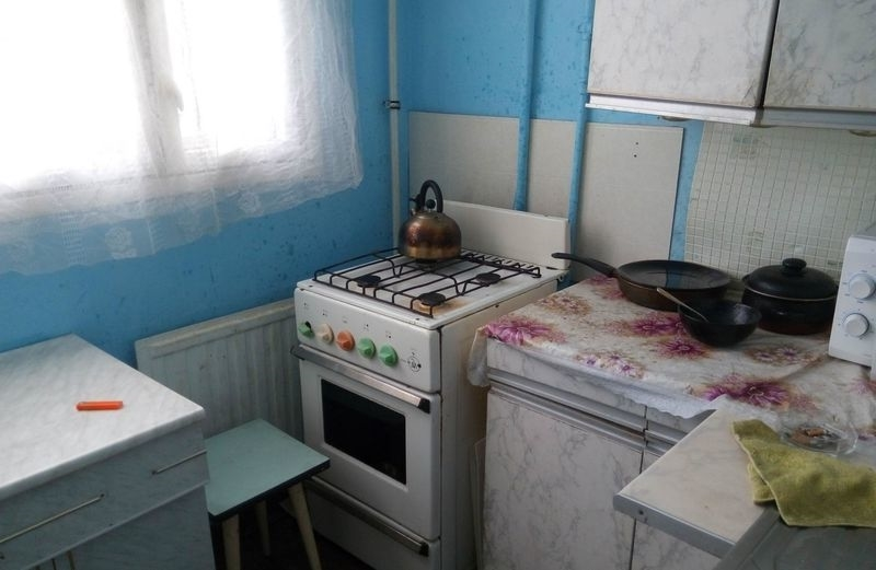 сдатся чистая комната, вся мебель, телевизор, холодильник, стиральная ...