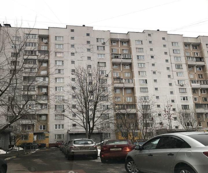 Сдатся 1-к квартира рядом с метро.