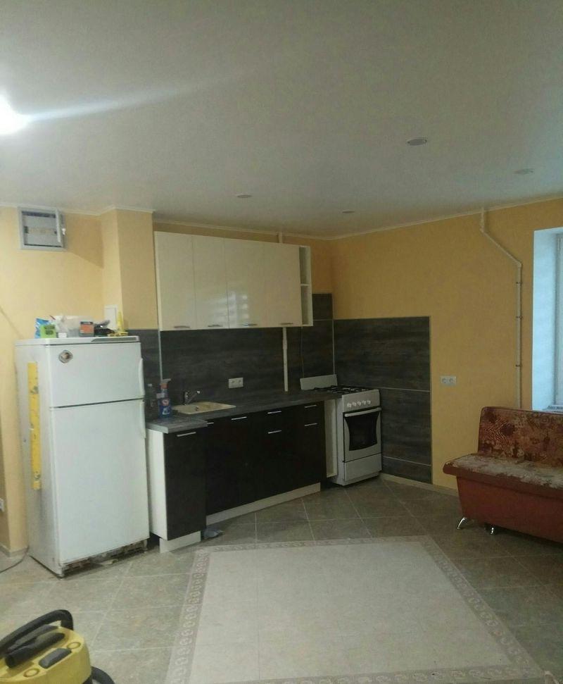 Сдается двухкомнатная квартира с евро- ремонтом.
