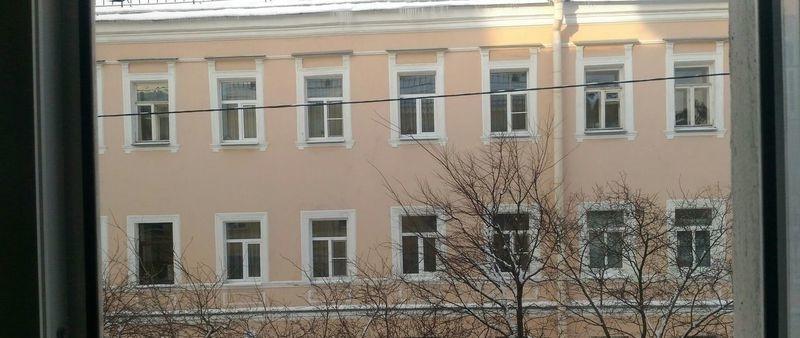 Сдается большая светлая комната - 22 м, в 3х комнатной квартире.