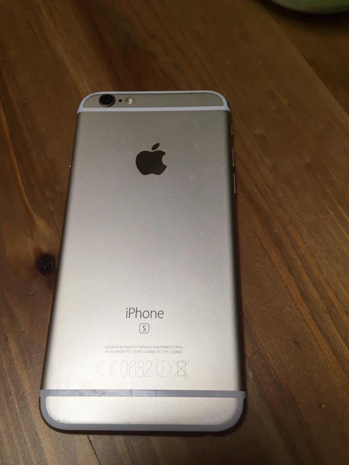 Срочно Продаю в хорошем состоянии Apple iPhone 6S 64gb Gold.