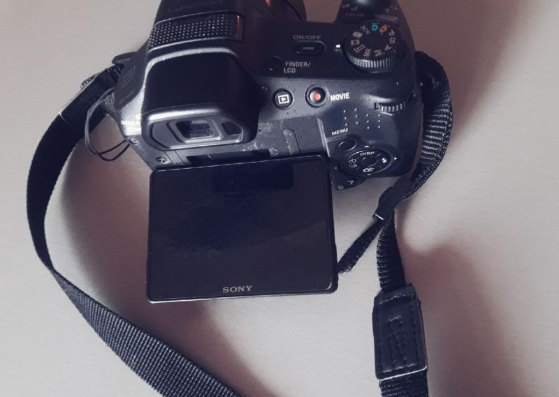 Фото-Видео камера Sony DSC-HX200 18.2Mpix, съмка в FullHD1080р, Х30 зум
