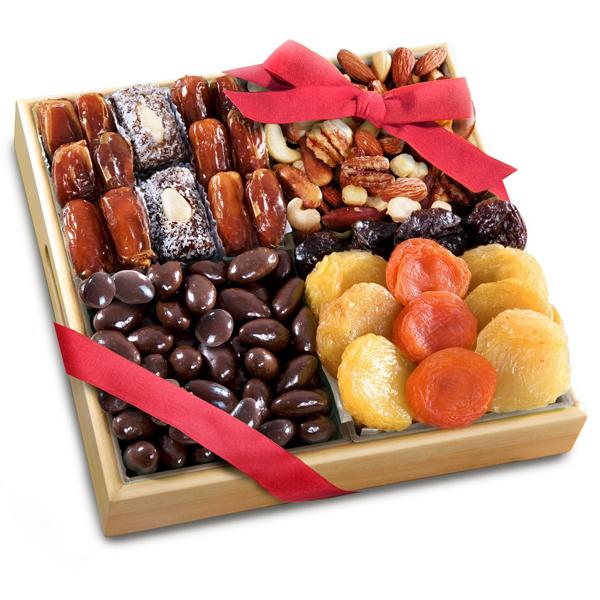 Орехи, сухофрукты, цукаты, орехи и сухофрукты в глазури, фруктовые чипсы с доста
