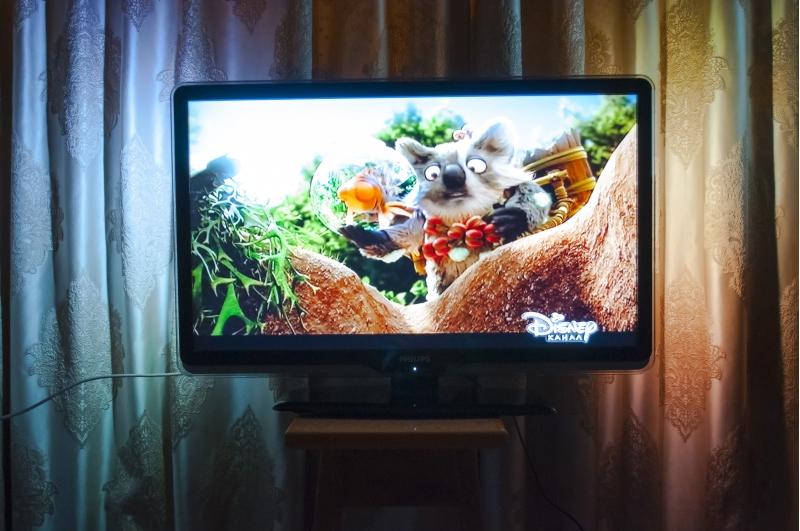 Продаю телевизор philips дигональ-32